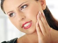 Как остановить кровь из зуба и десен