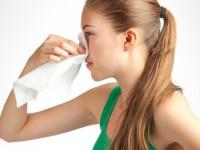 Как правильно остановить кровь из носа